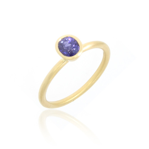 18K Yellow Gold Oval Violet Sapphire Yumdrop Ring