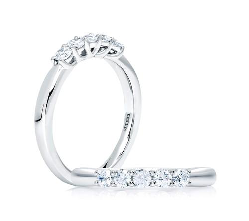 18K White Gold 5 Diamond Wedding Ring - 0.50ctw