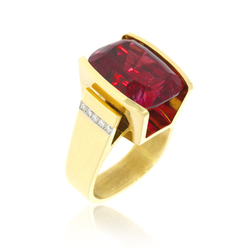 18K Yellow Gold Rubelite Ring With Diamond Accents