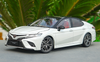 1/18 Dealer Edition 8th Generation (2018-Present) Toyota Camry XSE SE (White) Diecast Car Model