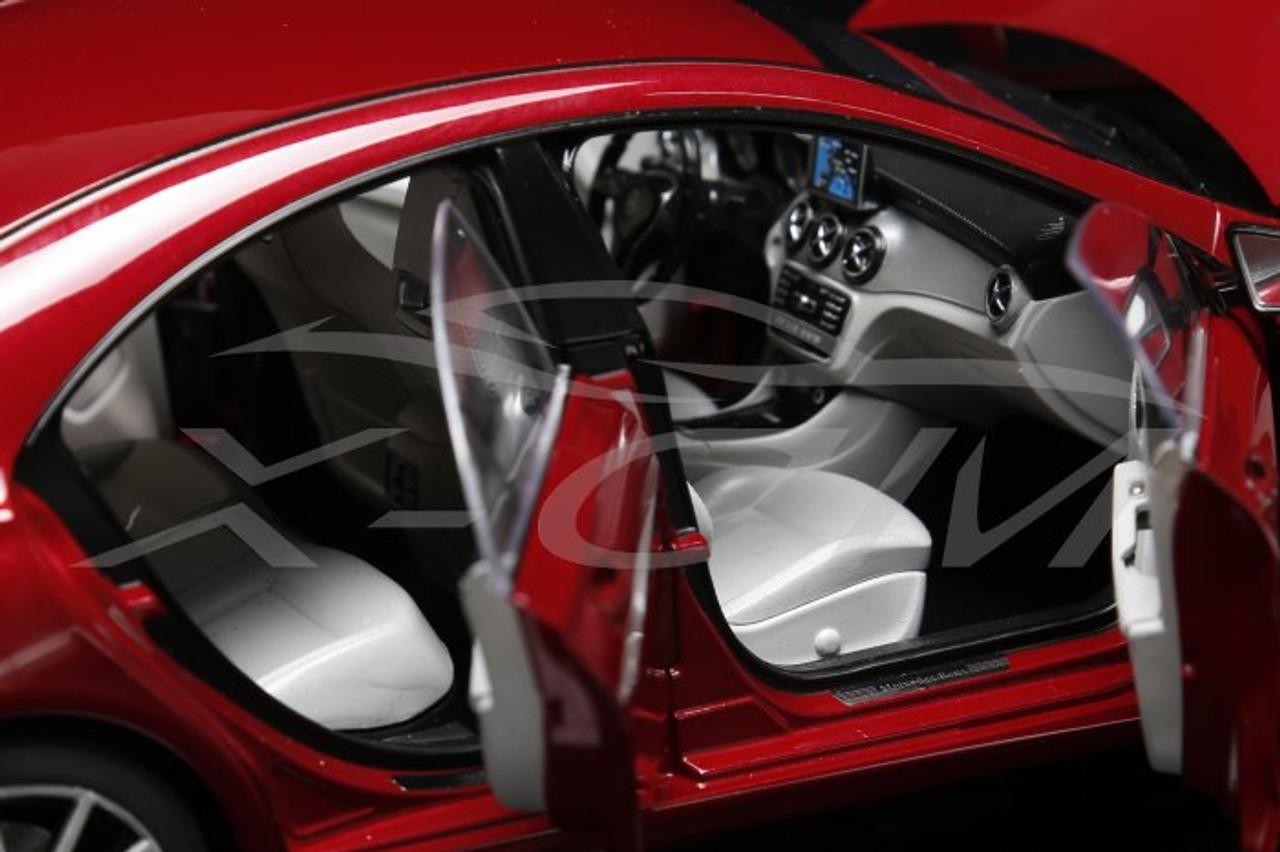 1/18 Dealer Edition Mercedes-Benz CLA (Red)