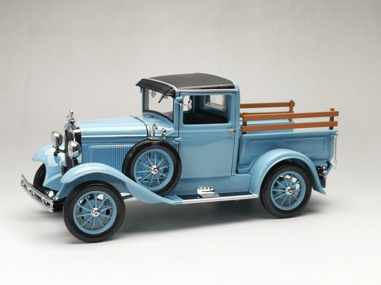 1 18 1931 Ford Model A Roadster Powder Blue Diecast Car Model Livecarmodel Com