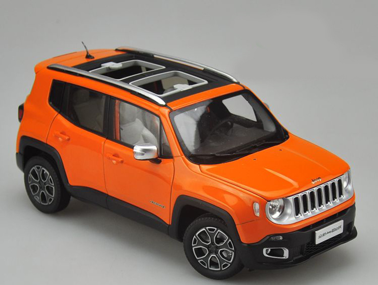 Jeep Renegade Orange >> 1 18 Dealer Edition Jeep Renegade Orange Diecast Car Model