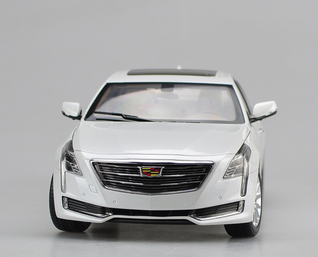1/18 Dealer Edition Cadillac CT6 (White) Diecast Car Model