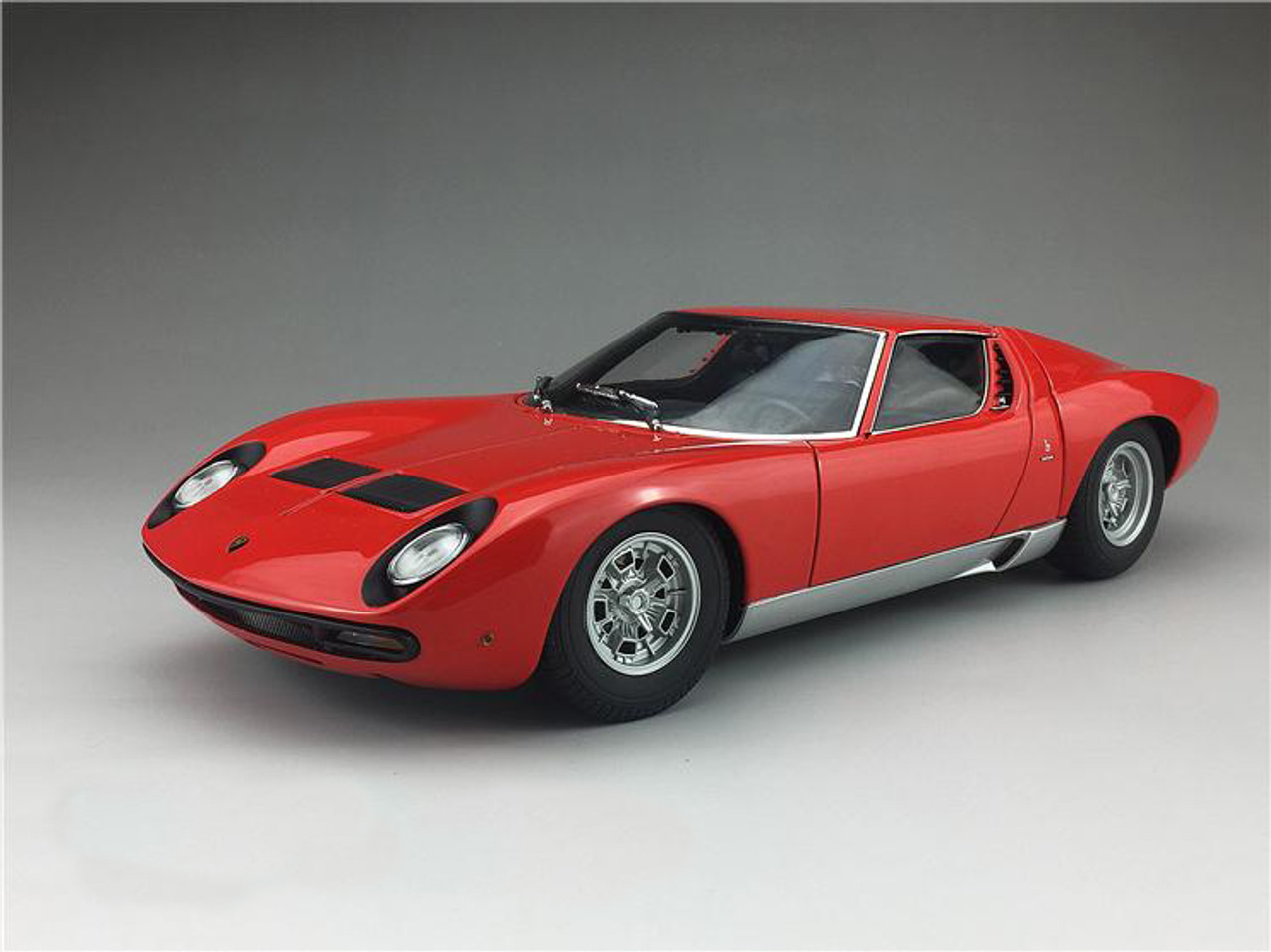 1 18 Autoart Lamborghini Miura Sv Red W Silver Rims Diecast Car