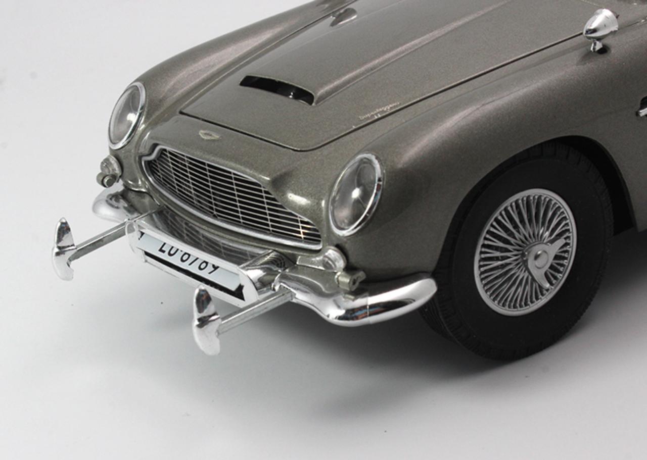 1/18 Hot Wheels Hotwheels Elite Aston Martin DB5 James Bond 007 Diecast Model