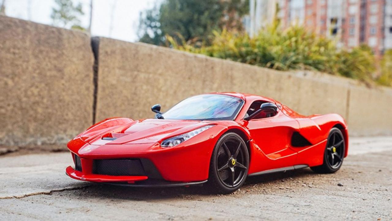1 18 Bburago Ferrari Laferrari Red W Black Rims Diecast Car Model Livecarmodel Com