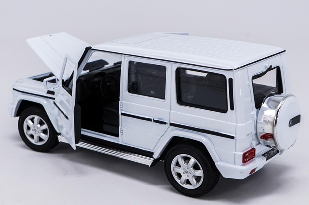 1:24 Welly Mercedes Benz G-Class G55 G500 Diecast Model Car White