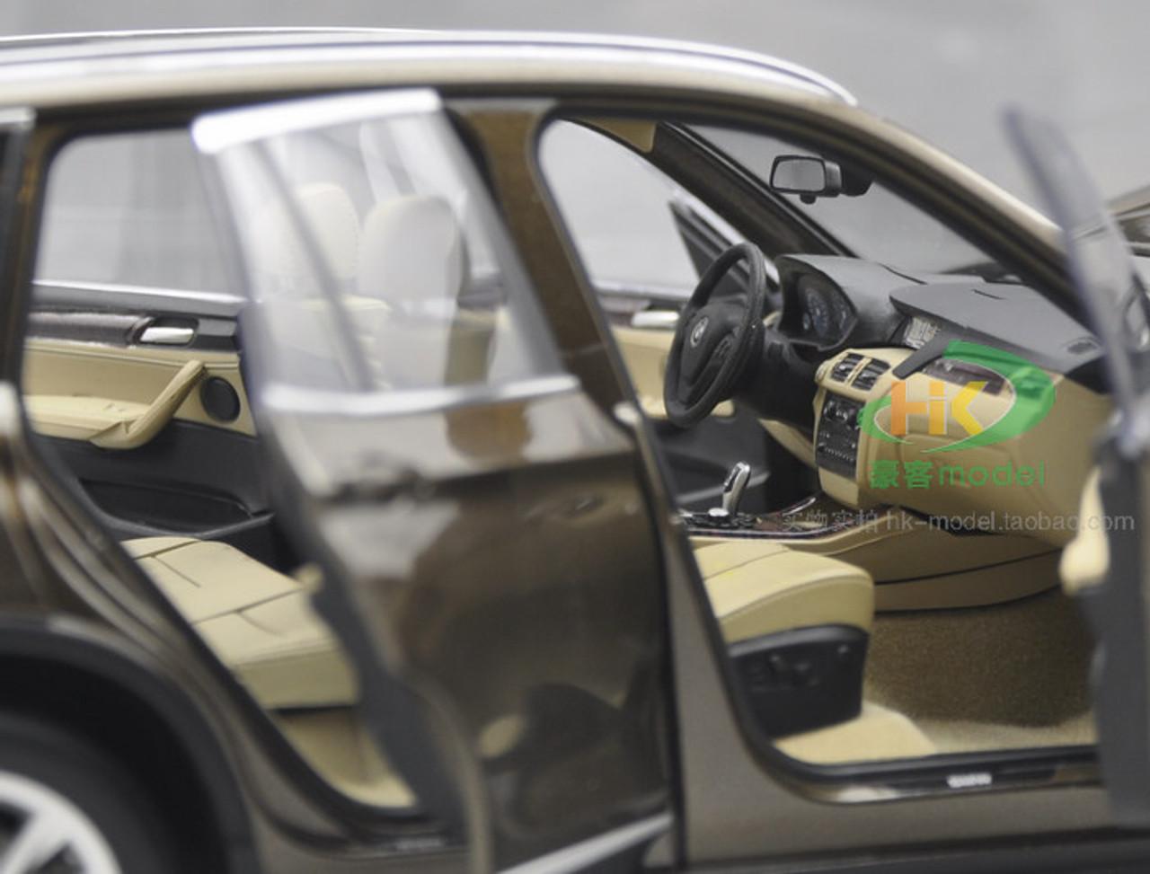 1/18 Dealer Edition BMW X3 2nd Generation F25 (2011–2017) (Brown) Diecast Car Model