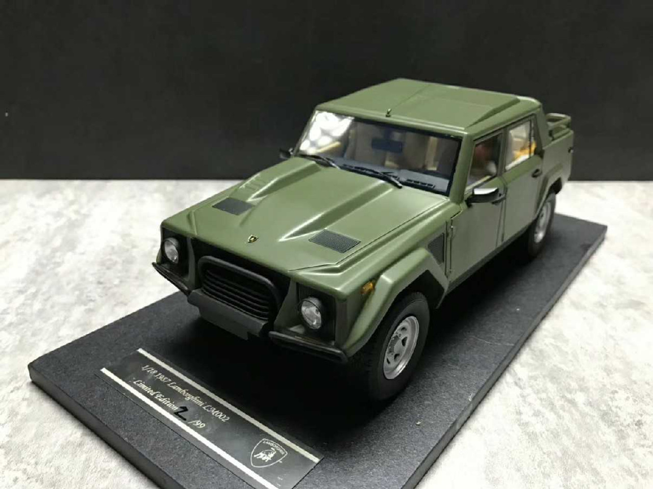 1/18 Handmade Resin Lamborghini LM002 (Green) Car Model
