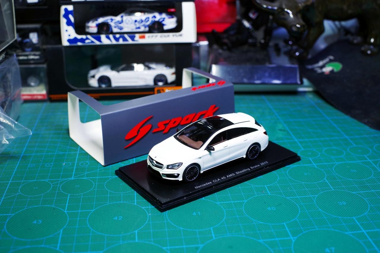 1/43 Spark Mercedes-Benz MB CLA 45 AMG Shooting Brake 2015 Car Model