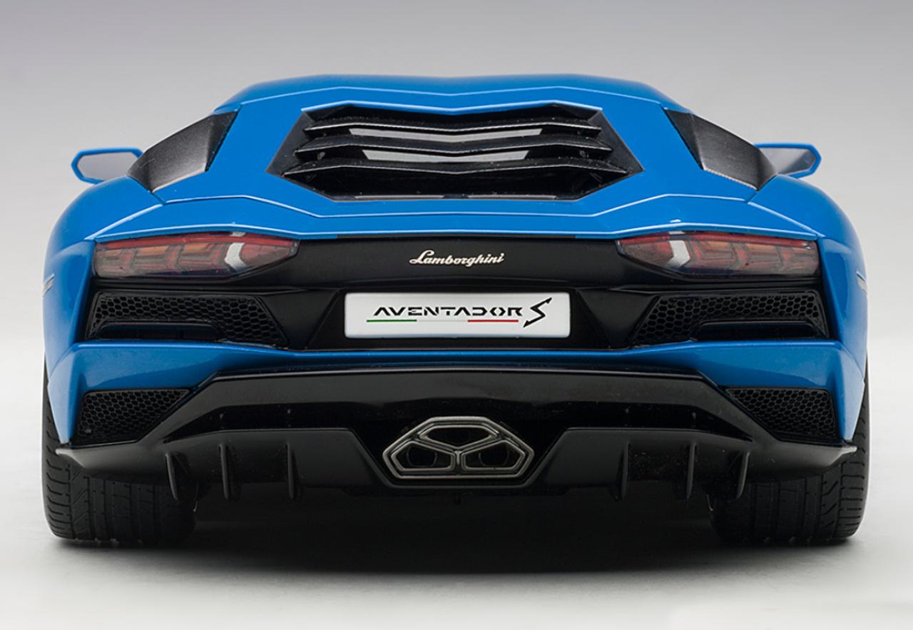1/18 AUTOart LAMBORGHINI AVENTADOR S (BLU NILA/PEARL BLUE) Diecast Car Model