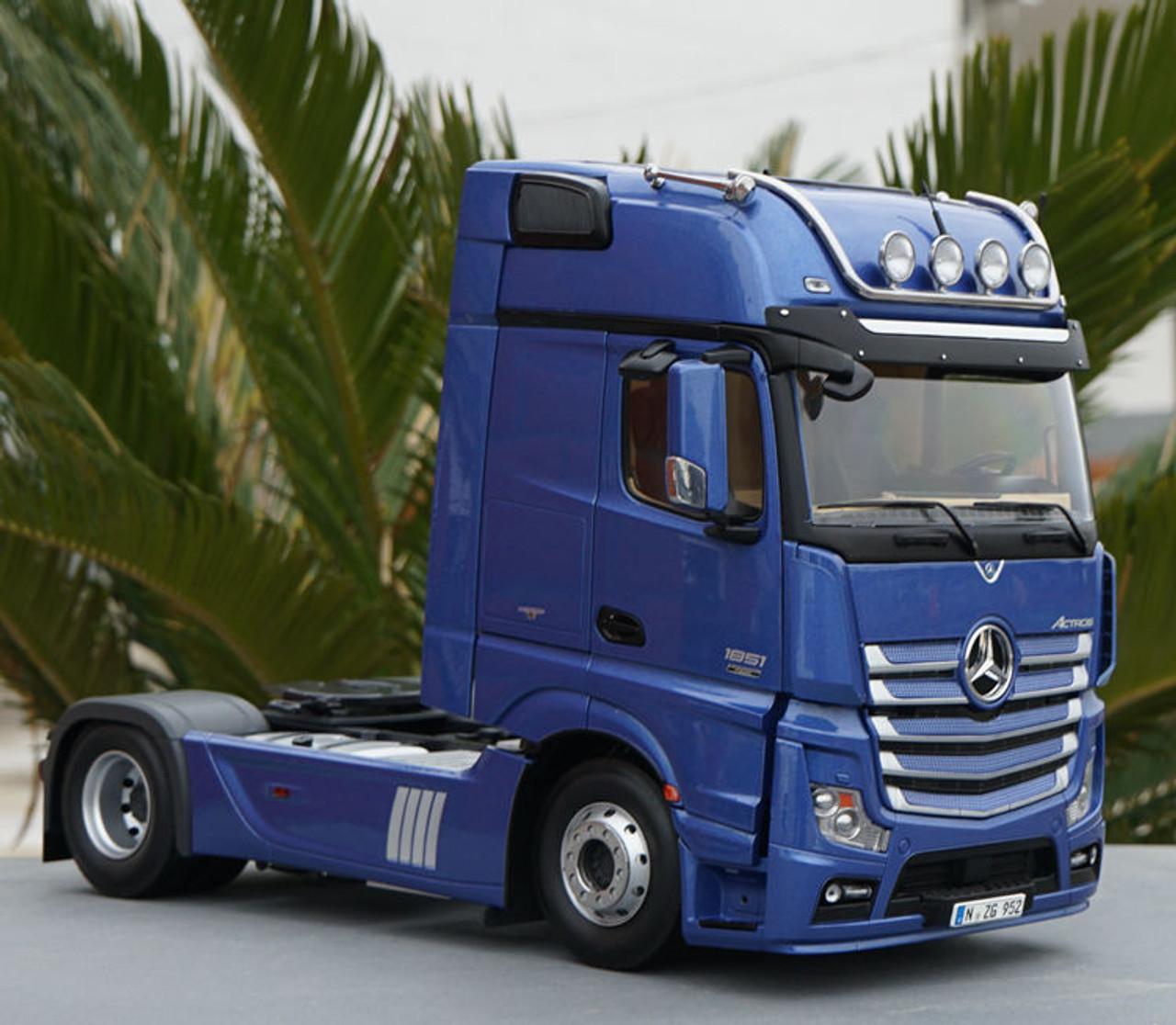 1/18 NZG Mercedes-Benz Actros FH25 Gigaspace 4x2 Heavy Duty Truck Head (Blue) Diecast Model