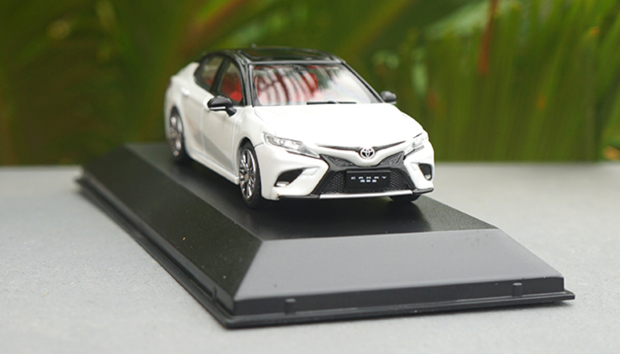 Car Model All New Toyota Camry 2018 1:43 SMALL GIFT!!!!! Black