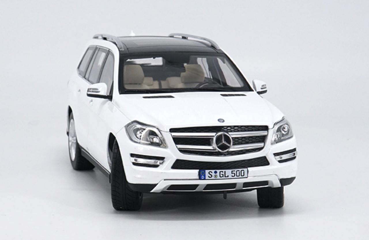 1/18 Dealer Edition 2016 Mercedes-Benz MB GL-Class GL-Klasse GL500 (White) Diecast Car Model