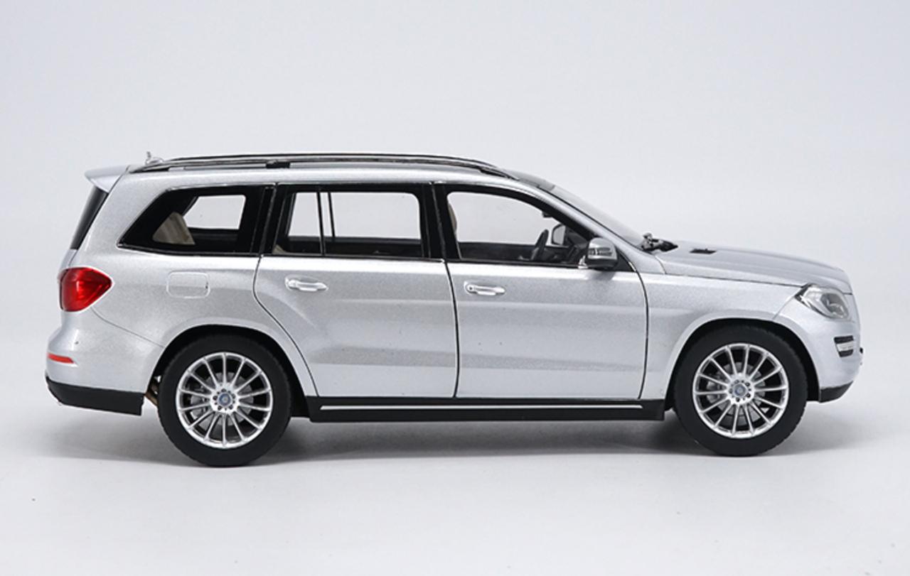 1/18 Dealer Edition 2016 Mercedes-Benz MB GL-Class GL-Klasse GL500 (Silver) Diecast Car Model