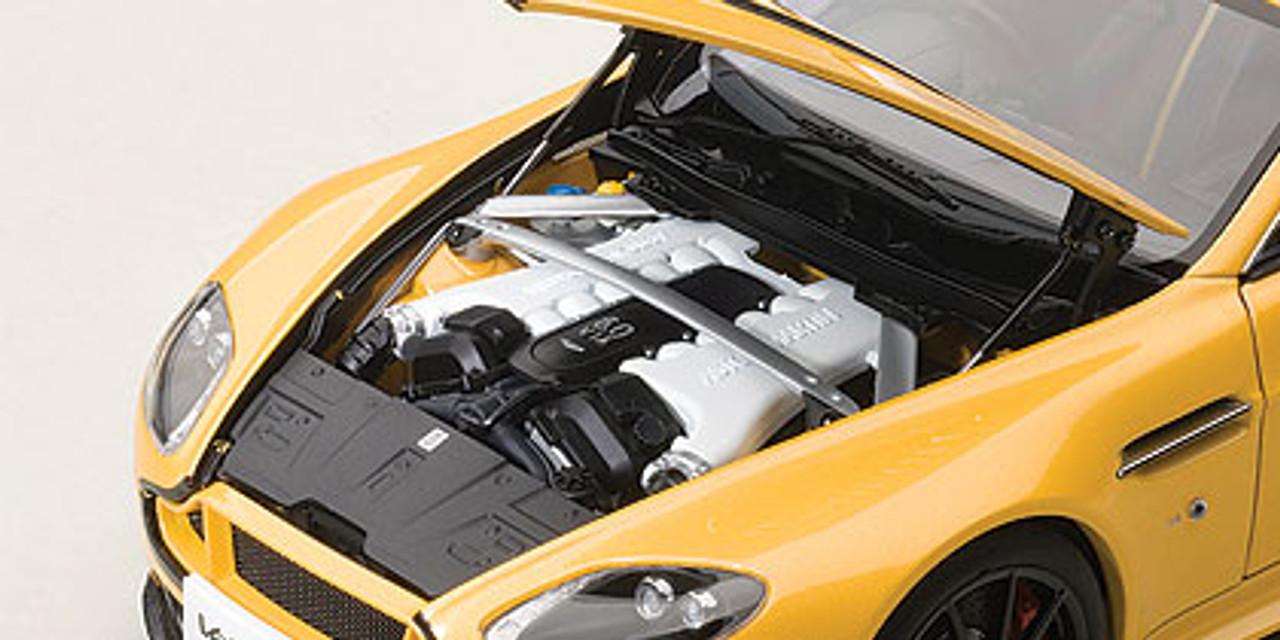 AUTOart 70251 70252 70253 ASTON MARTIN V12 VANTAGE S models silver yellow black