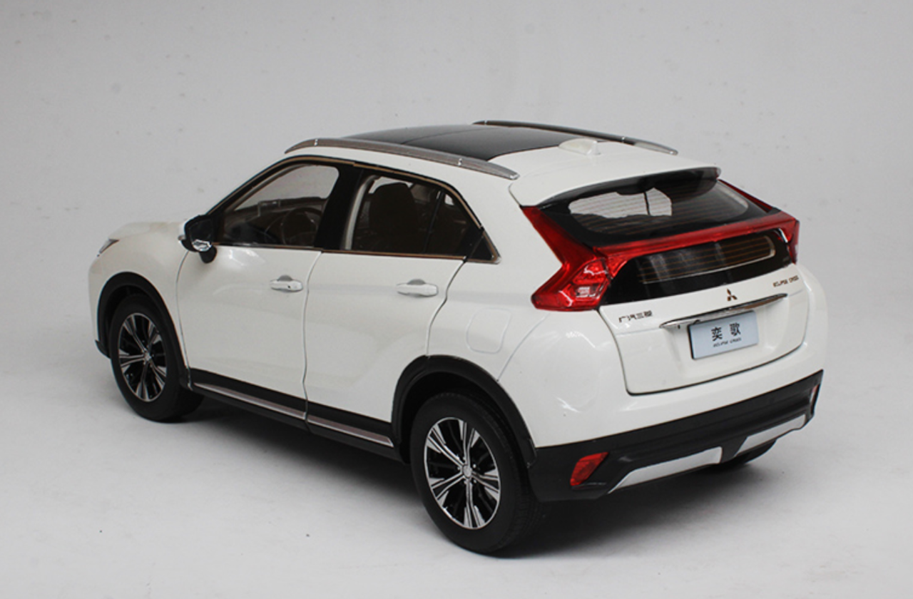1/18 Dealer Edition Mitsubishi Eclipse Cross (White) Diecast Car Model