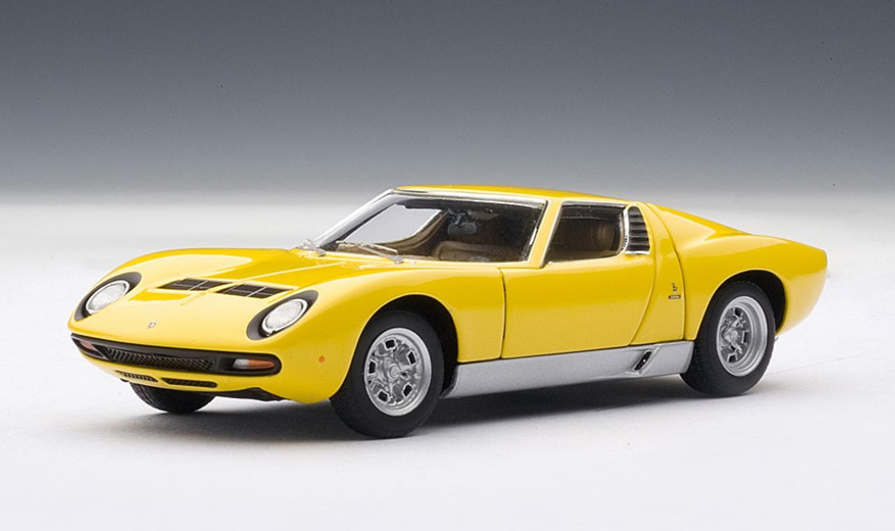 1 43 Autoart Lamborghini Miura Sv Yellow With Openings Diecast Car