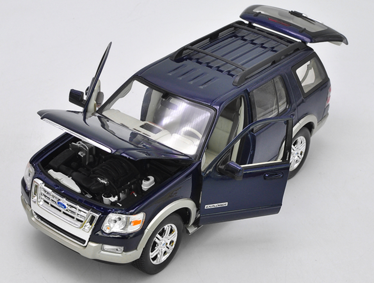 1/18 Welly 2006 Ford Explorer Diecast Car Model
