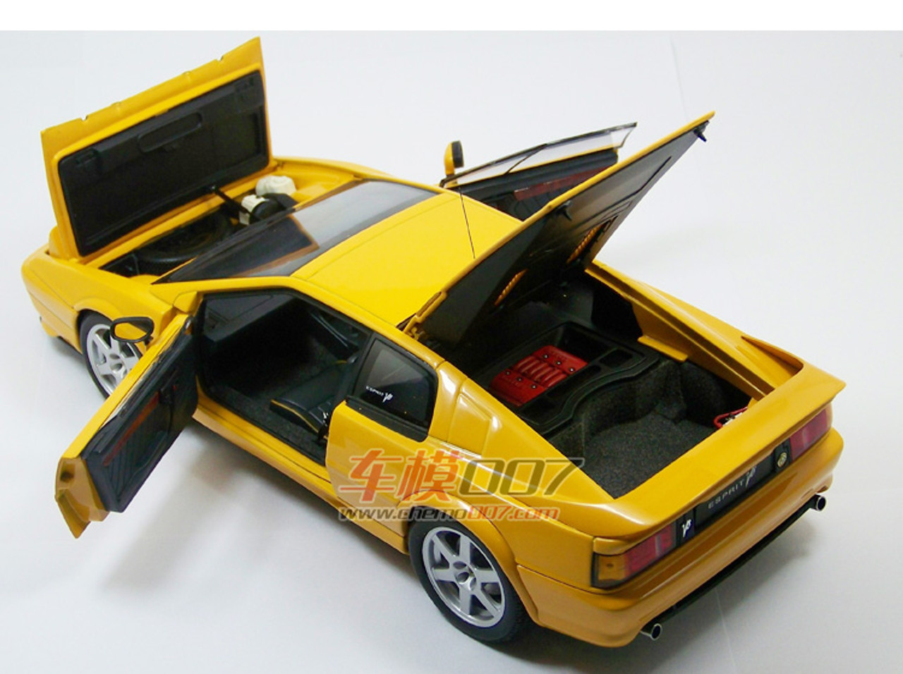 hot new products lowest price 50% price 1/18 AUTOart Lotus Esprit V8 (Yellow) Diecast Car Model