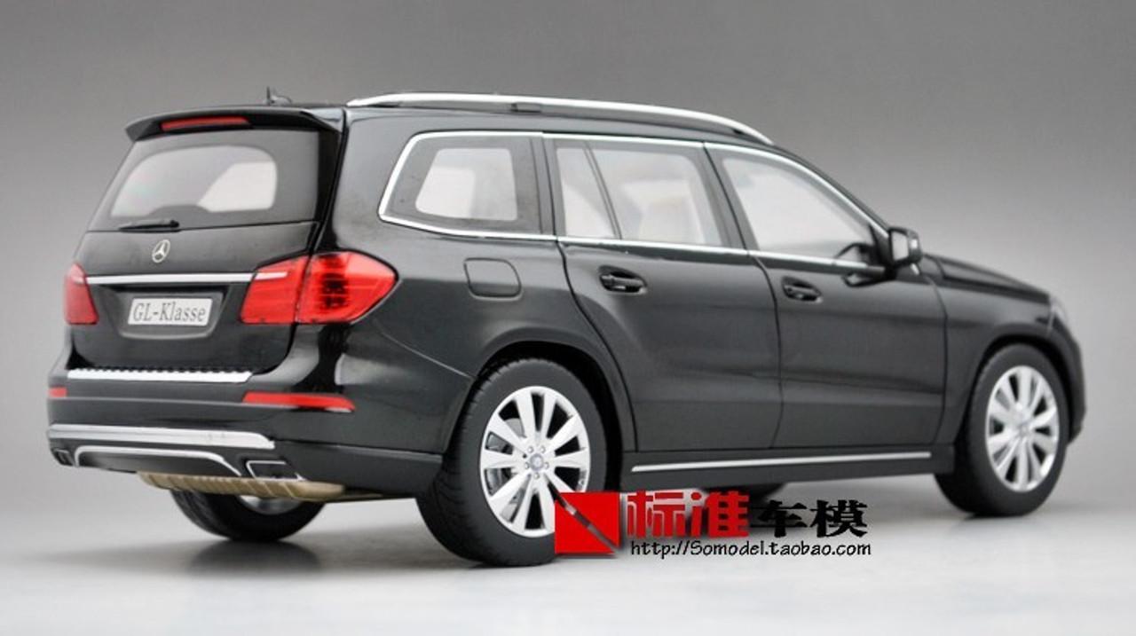 1/18 Dealer Edition 2012 Mercedes-Benz GL-Class / GL-Klasse GL500 (Black) Diecast Car Model