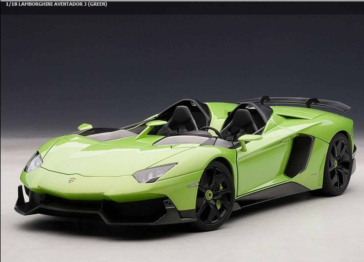 AUTOART 1/18 LAMBORGHINI AVENTADOR J (GREEN) CAR MODEL 74677