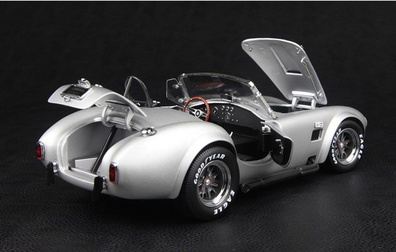 1/18 FORD MUSTANG SHELBY COBRA 427 S/C (SILVER) MODEL!