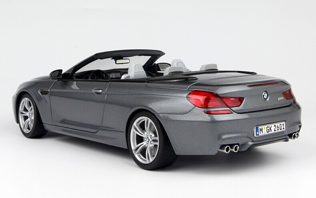 1:18 Paragon BMW M6 F12 Convertible 2012 lightblue-metallic