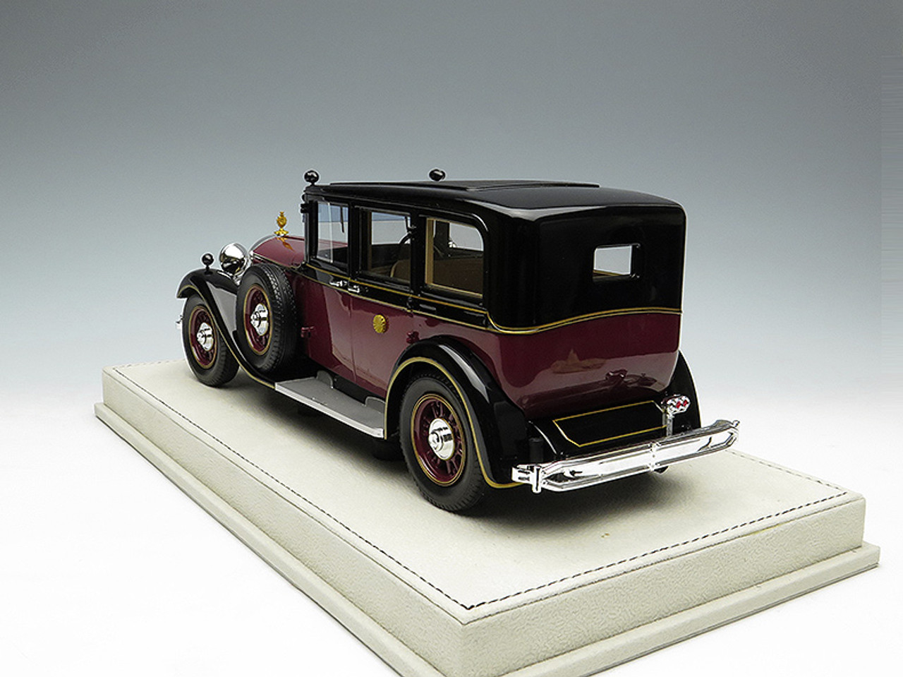 Gorgeous 1/18 1934 Dealer Edition Mercedes-Benz 770K Limited Edition