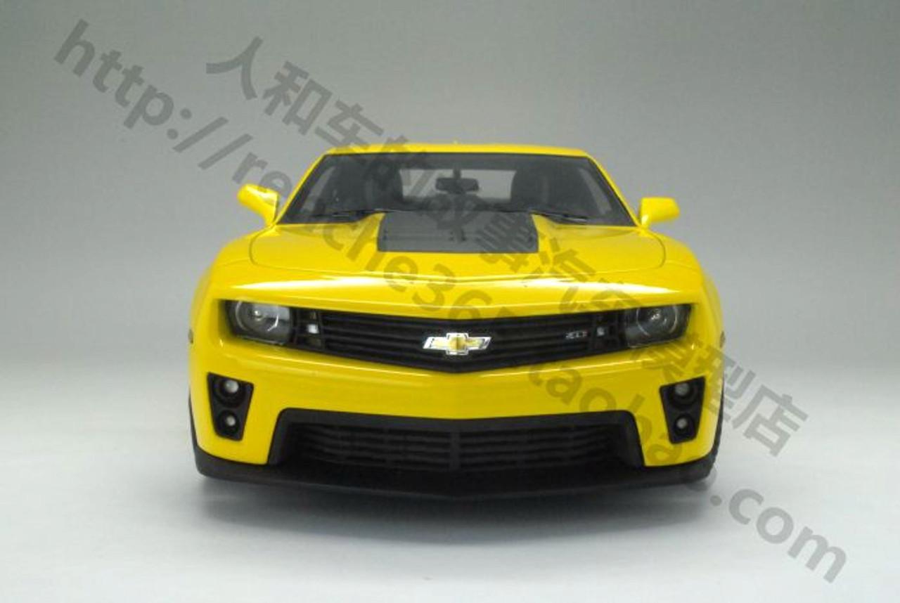 1/18 Dealer Edition Chevrolet Chevy Camaro ZL1 (Yellow) Resin Car Model