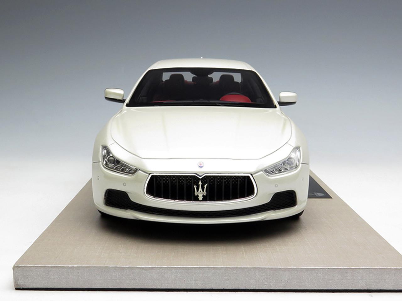 1/18 BBR Top Marques Maserati Ghibli (White)