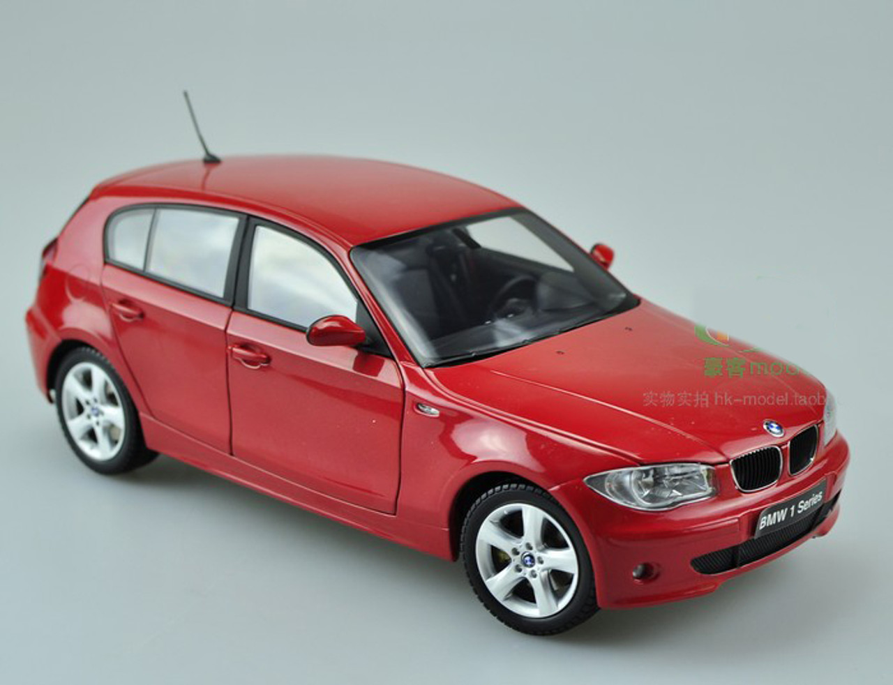 1/18 Kyosho BMW 120i (Red)