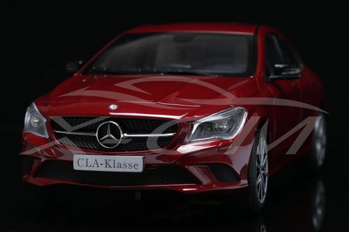 1/18 Dealer Edition Mercedes-Benz Mercedes CLA (Red) Diecast Car Model
