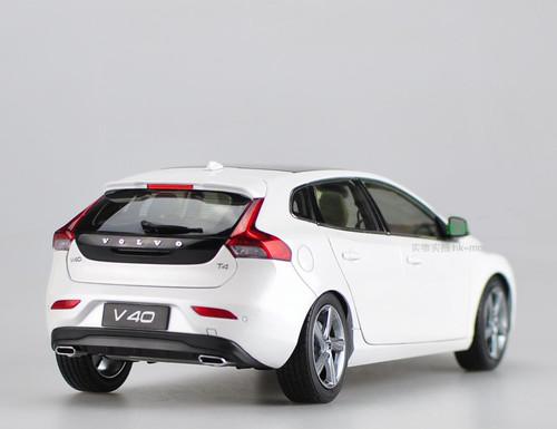 1/18 Dealer Edition Volvo V40 (White)