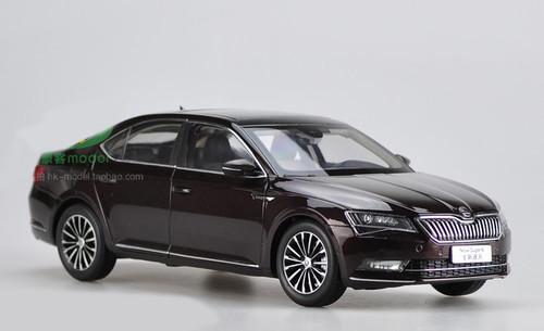 1/18 Dealer Edition Skoda New Superb (Dark Red) Diecast Car Model