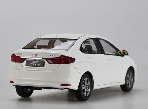 1/18 Dealer Edition Honda City (White) Diecast Car Model