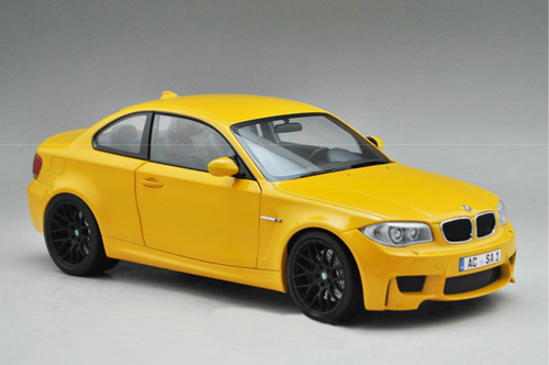 1/18 Minichamps BMW 1M Coupe (Yellow) Diecast Car Model