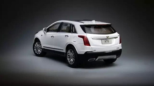 1/18 Dealer Edition Cadillac XT5 (White) Diecast Car Model