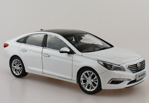 1/18 Dealer Edition 9th Gen Hyundai Sonata (White) Diecast Car Model