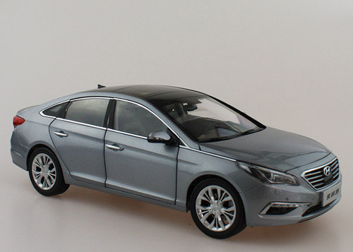 1/18 Dealer Edition 9th Gen Hyundai Sonata (Silver Grey) Diecast Car Model