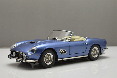 1/18 CMC 1960 Ferrari 250 California SWB (Blue)
