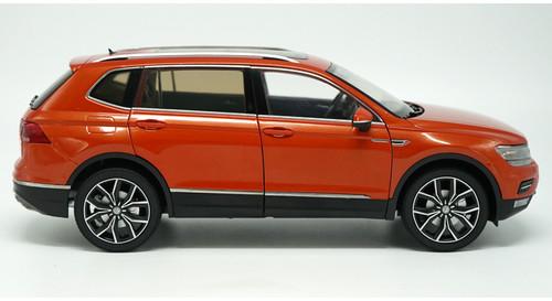 1/18 Dealer Edition 2017 Volkswagen VW Tiguan (Orange)