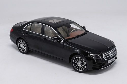 1/18 Dealer Edition Mercedes-Benz E-Class E-Klasse (Black) Diecast Car Model