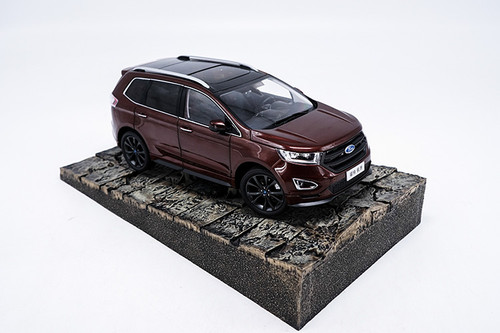 1/18 Dealer Edition Ford Edge (Red) Diecast Car Model