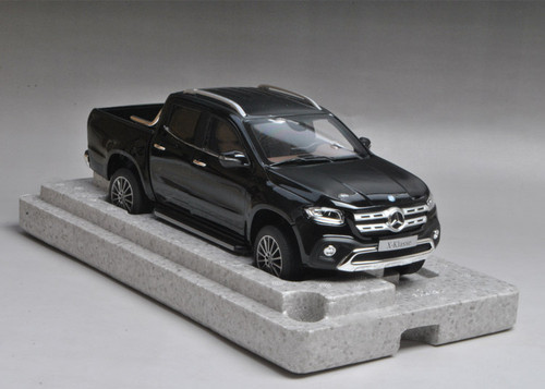 1/18 Dealer Edition Mercedes-Benz X-Klasse X-Class Truck (Black)
