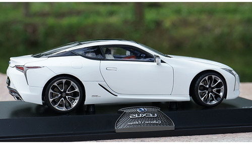 1/18 Dealer Edition Lexus LC LC500H LC500 (White) Diecast Car Model