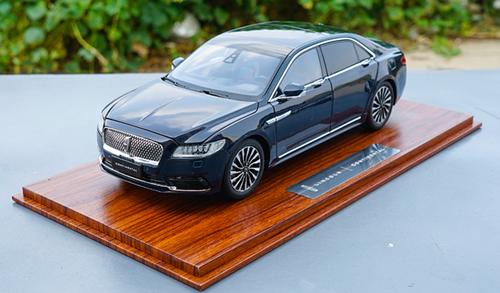 RARE 1/18 Dealer Edition Lincoln Continental (Blue) Diecast Car Model
