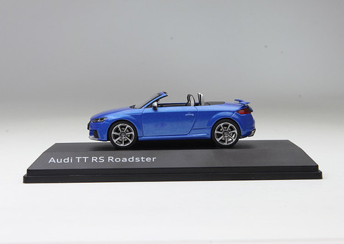 1/43 Dealer Edition Audi TT RS Roadster Limousine (Blue)
