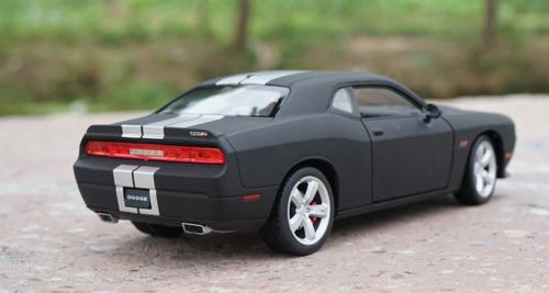 1/24 Welly FX Dodge Challenger (Matte Black) Diecast Car Model